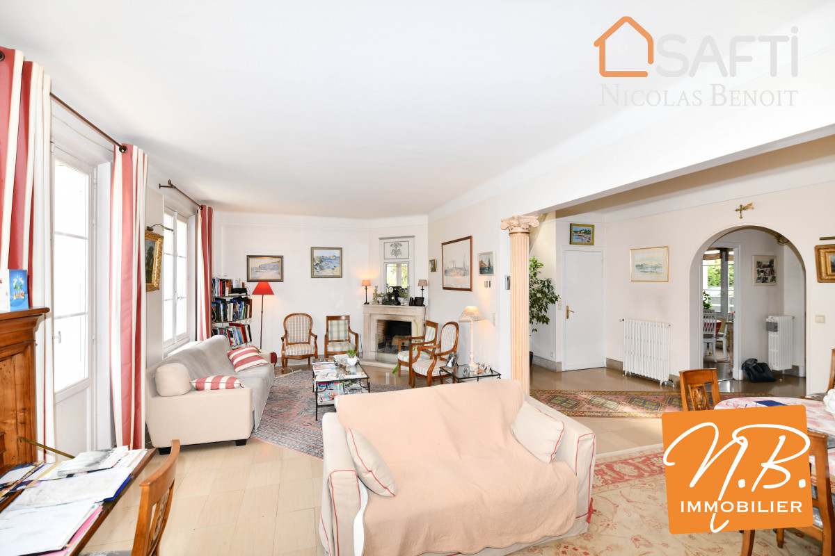 Antony maison Maison 250m2 sur terrain de 1506m2 : 6 chambres et grand jardin sans vis-à-vis