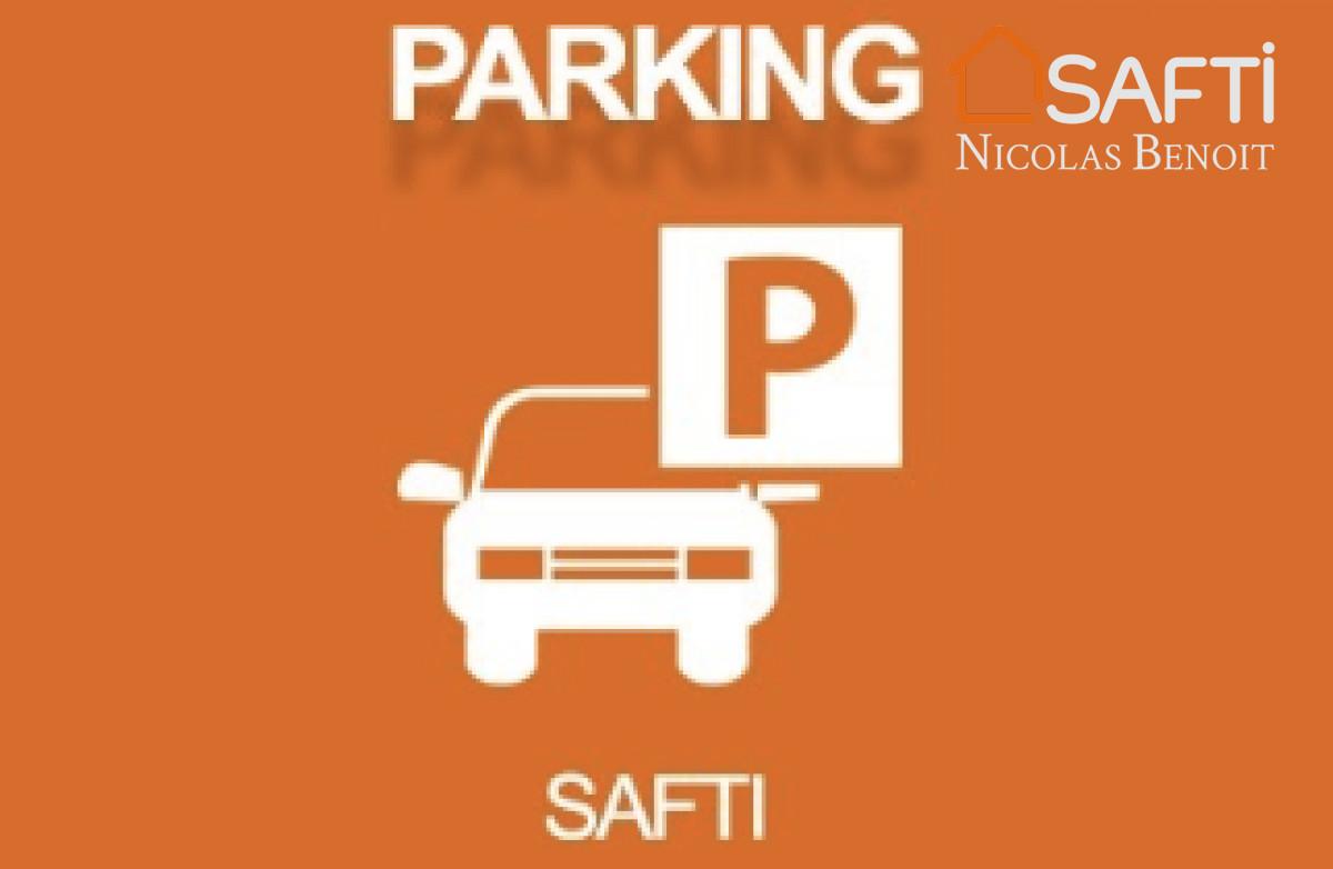 parking Parking couvert et sécurisé par portail électrique