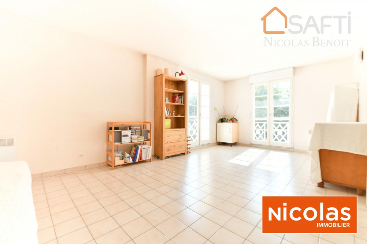 appartement Massy Vilgénis, appartement 3 pièces avec 2 parkings et 1 cave